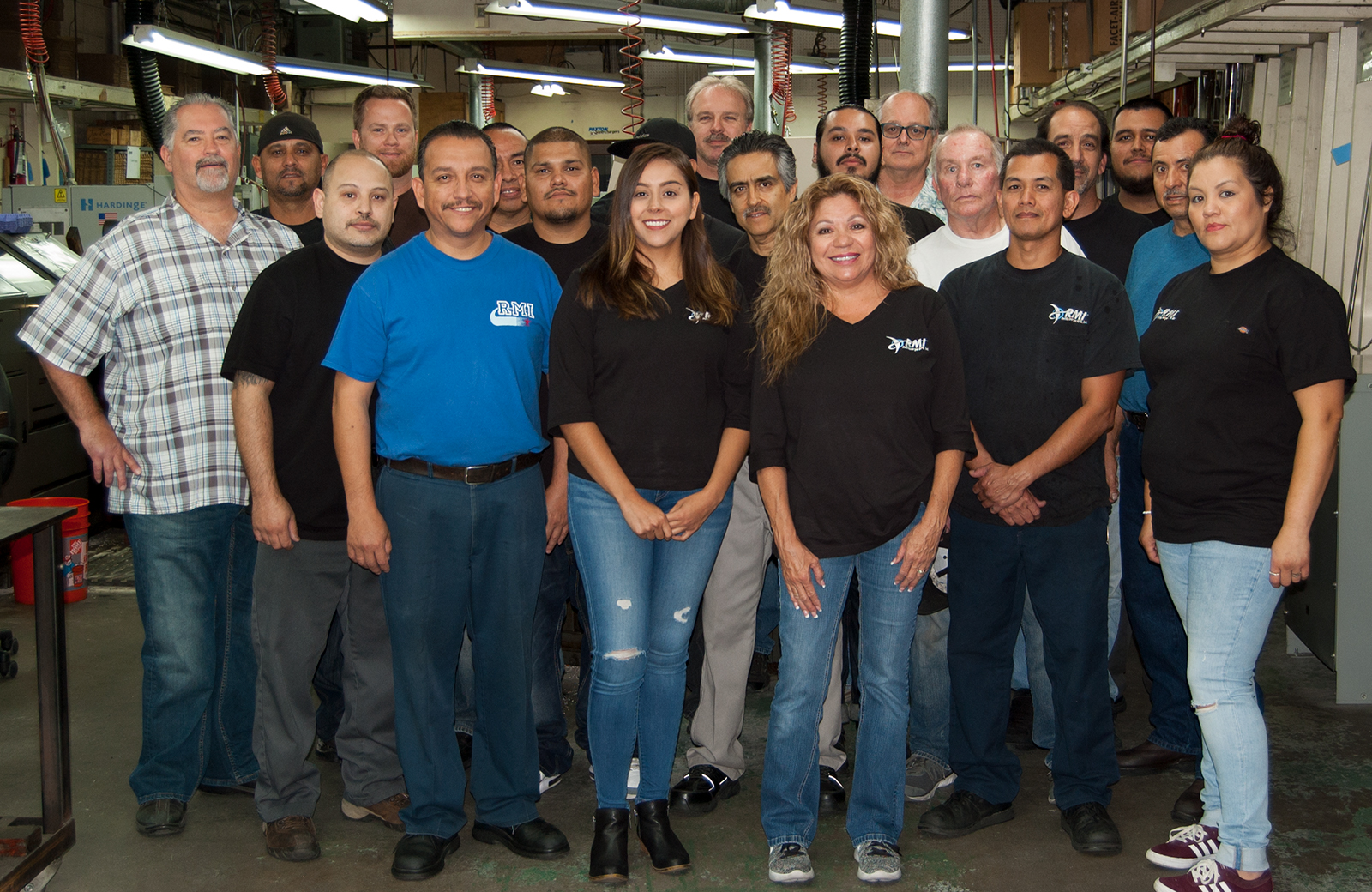rothlisberger manufacturing group photo